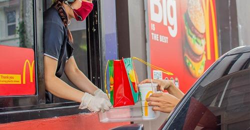 Mädchen (†7) wird in Drive-in bei McDonald's erschossen, Zustand des Vaters kritisch – Motiv unklar