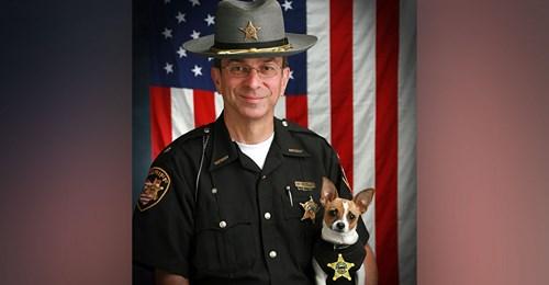 Sheriff und Mini-Polizeihund sterben am selben Tag