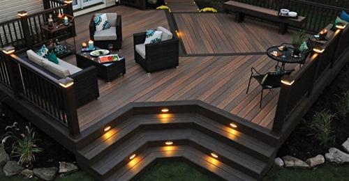 Anstatt Fliesen eine Holzterrasse im Garten… 8 super schöne Beispiele!
