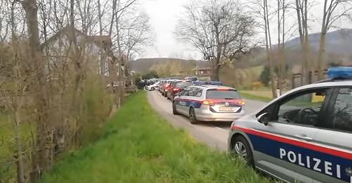 Spektakulärer Polizeieinsatz in Linzer Gartenverein