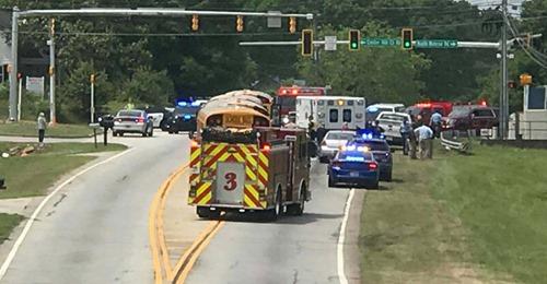 """""""Mein Sohn hätte sterben können"""" – 11-jähriger Junge springt aus Schulbus, um nicht verprügelt zu werden"""