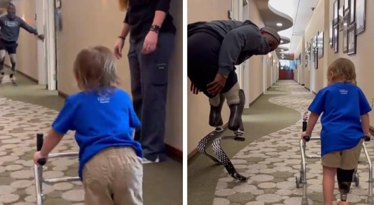 Ein Zweijähriger macht seine ersten Schritte mit der Prothese: Der paralympische Champion ermutigt ihn